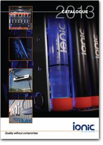 Boletín Ionic Marzo 2011. Nueva gama de pértigas de Reach And Wash para la limpieza de superficies lavables en altura.